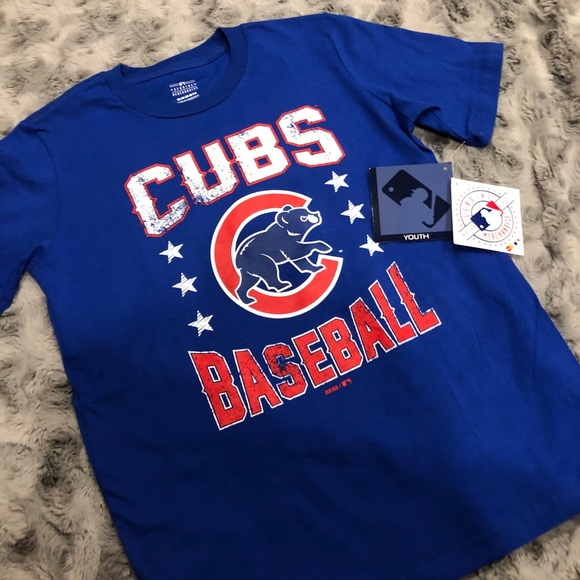 classic fit 2d67c 84e48 Chicago Cubs T-Shirt NWT